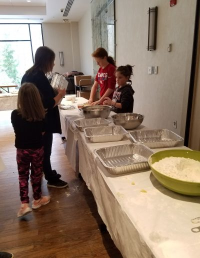 Loaves of Love Community Challah Bake 2018 (7)